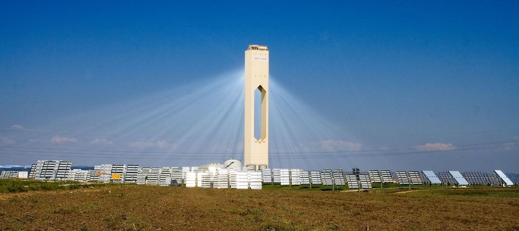 Solarna termoelektrana u Španjolskoj spojena na elektroenergetski sustav.